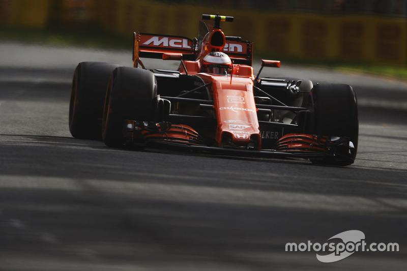 18: Стоффель Вандорн, McLaren MCL32