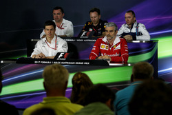 Conferencia de la FIA: Eric Boullier, McLaren Racing; Christian Horner, Red Bull Racing RB13 Team; Paddy Lowe, Williams; Toto Wolff, Mercedes; Maurizio Arrivabene, Ferrari