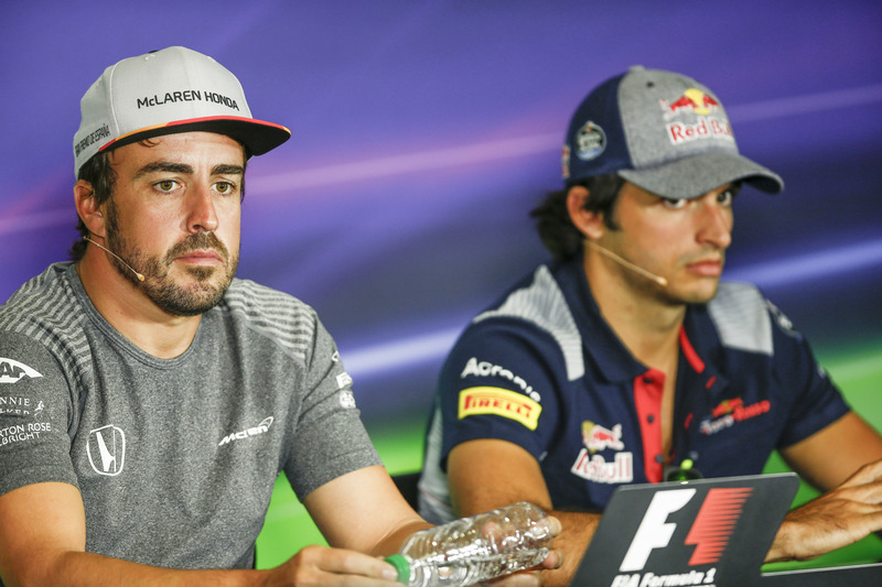 Fernando Alonso, McLaren, Carlos Sainz Jr., Scuderia Toro Rosso, in the press conference