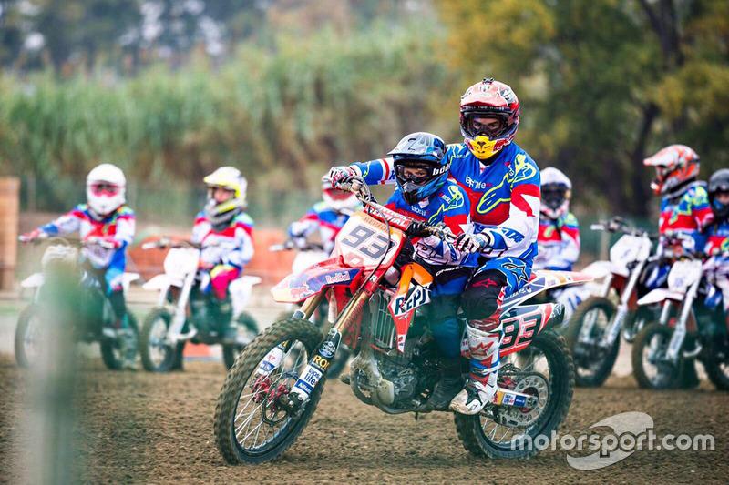 Marc Marquez with participant