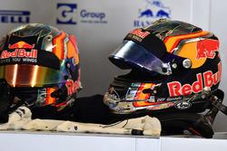 Cascos de Carlos Sainz Jr., Scuderia Toro Rosso