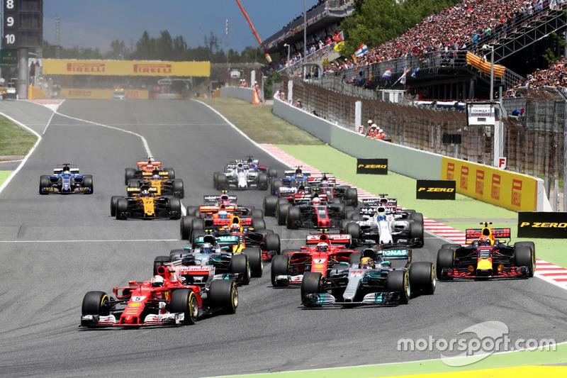 Sebastian Vettel, Ferrari SF70H líder en la arrancada