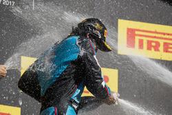 Podium: race winner Arjun Maini, Jenzer Motorsport