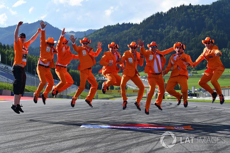 Уболівальники Макса Ферстаппена, Red Bull Racing