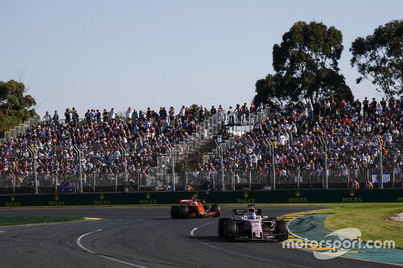 Australia: 296.600 espectadores; 24.800