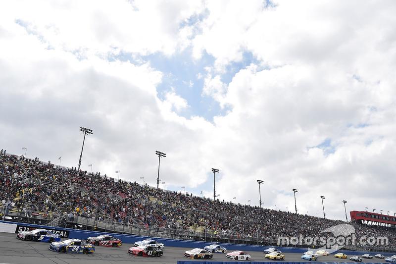 Kasey Kahne, Hendrick Motorsports, Chevrolet; Chase Elliott, Hendrick Motorsports, Chevrolet