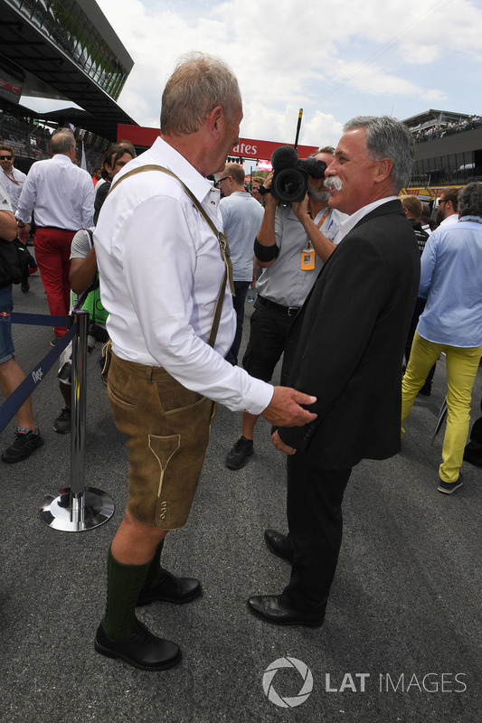 Dr Helmut Marko, Red Bull Motorsport Consultant, Chase Carey, Chief Executive Officer, Executive Cha