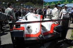 سيارة رقم 1 فريق بورشه 919 الهجينة
