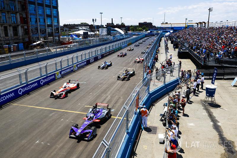 Start: Sam Bird, DS Virgin Racing, führt