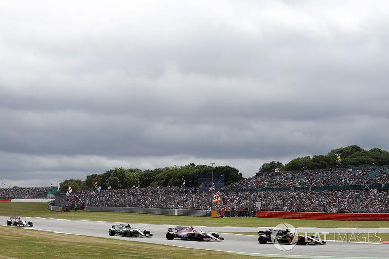 Ніко Хюлькенберг, Renault Sport F1 Team RS17, Естебан Окон, Sahara Force India F1 VJM10, Валттері Бо