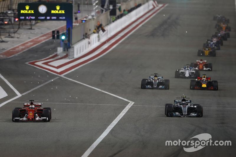 Sebastian Vettel, Ferrari SF70H, Valtteri Bottas, Mercedes AMG F1 W08, Lewis Hamilton, Mercedes AMG F1 W08, Daniel Ricciardo, Red Bull Racing RB13