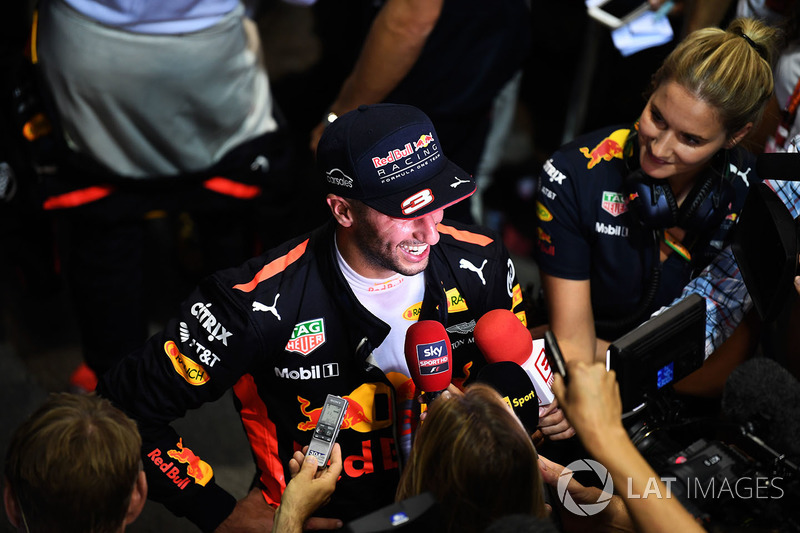 Daniel Ricciardo, Red Bull Racing, gibt Interviews