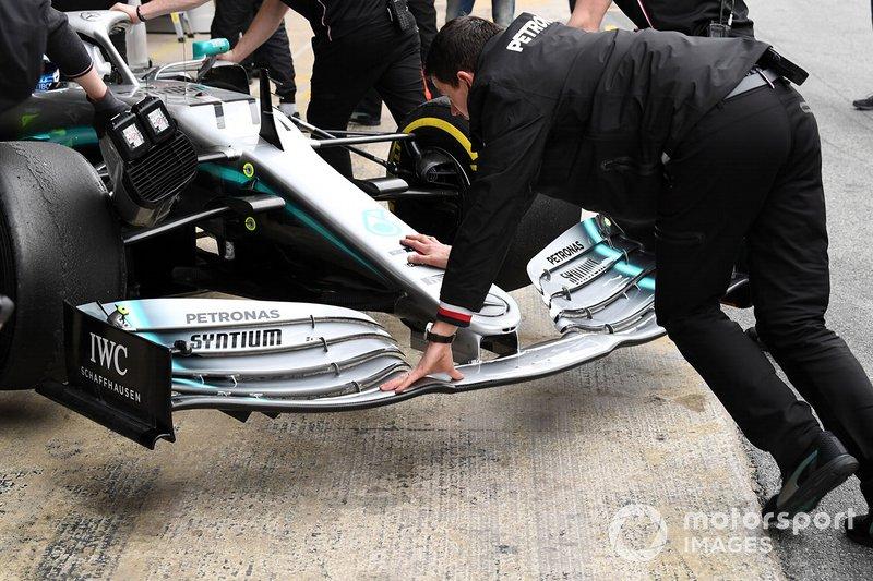 L'aileron avant de la Mercedes-AMG F1 W10