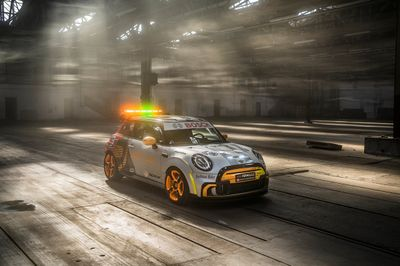 Peluncuran Safety Car Formula E