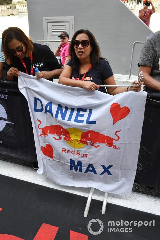 Tifose di Daniel Ricciardo, Red Bull Racing con uno striscione