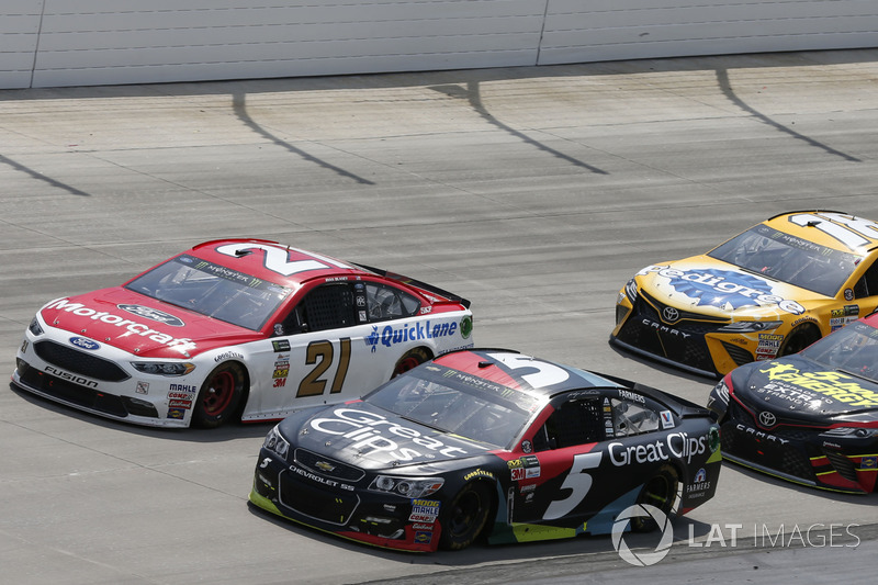 Kasey Kahne, Hendrick Motorsports, Chevrolet; Ryan Blaney, Wood Brothers Racing, Ford; Erik Jones, Furniture Row Racing, Toyota; Kyle Busch, Joe Gibbs Racing, Toyota