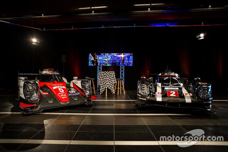 Coches Toyota y Porsche LMP1 en exhibición