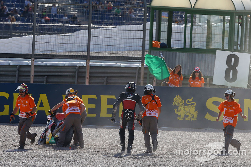Sturz: Axel Pons, AGR Team