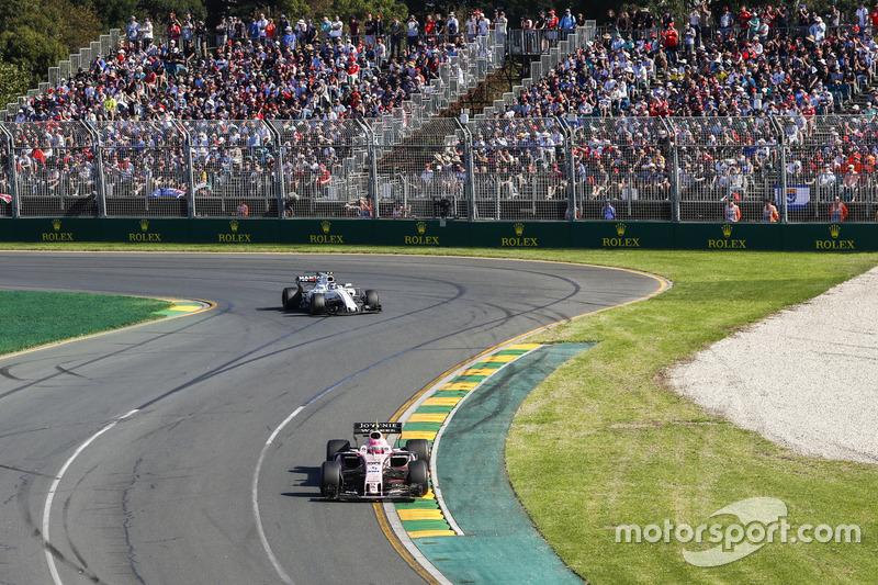 Esteban Ocon, Force India VJM10; Lance Stroll, Williams FW40