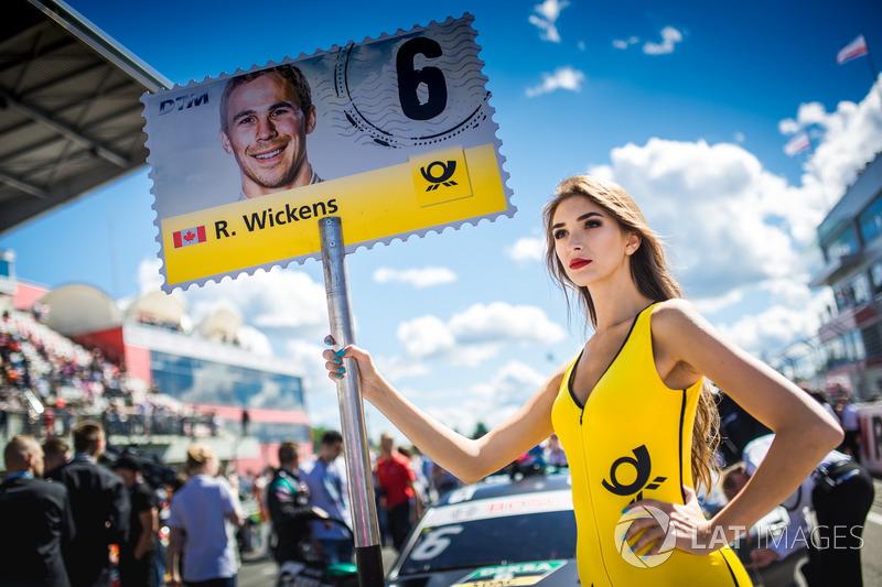 Chica de la parrilla de Robert Wickens, Mercedes-AMG Team HWA, Mercedes-AMG C63 DTM