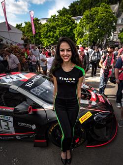 Девушка Strakka Racing