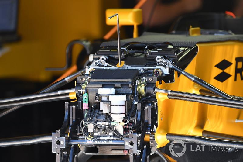 Renault Sport F1 Team RS17 ön süspansiyon ve şasi detayı