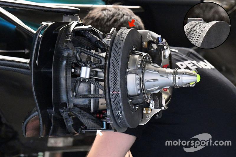 Передние тормоза Mercedes W08