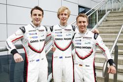 رقم 2 فريق بورشه 919 الهجينة: برندون هارتلي، إيرل بامبر، تيمو بيرنهارد