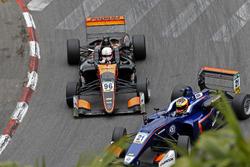 Joey Mawson, Van Amersfoort Racing, Dallara F317 - Mercedes-Benz, Jake Dennis, Carlin, Dallara F317 - Volkswagen