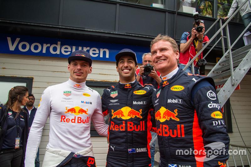 A Red Bull zandvoorti F1-es parádéja