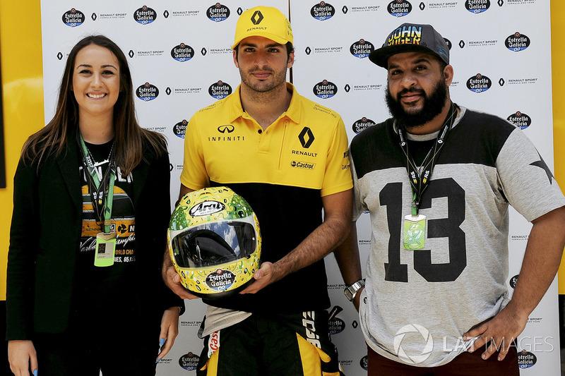 Alessandra Valllini, Fundación Ayrton Senna, Carlos Sainz Jr., Renault Sport F1 Team, con un diseño especial de Shock Maravillha