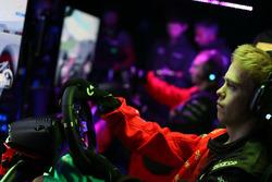 Freek Schothorst, deelnemer aan de McLaren World's Fastest Gamer