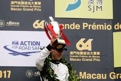 Podio: tercer lugar Raffaele Marciello, Mercedes-AMG Team GruppeM Racing, Mercedes - AMG GT3