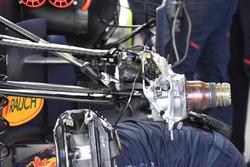 Передня підвіска Red Bull Racing RB13