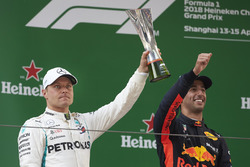 Переможець Даніель Ріккардо, Red Bull Racing, Валттері Боттас, Mercedes AMG F1