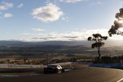 #74 Audi Sport Customer Racing Audi R8 LMS: Крістофер МІс, Крістофер Гаазе, Маркус Вінкельхок