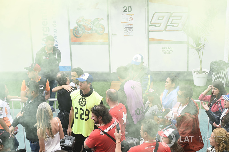 Valentino Rossi, Yamaha Factory Racing fans outside Marc Marquez, Repsol Honda Team changing room