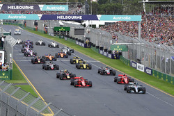 Lewis Hamilton, Mercedes-AMG F1 W09 líder al inicio de la carrera