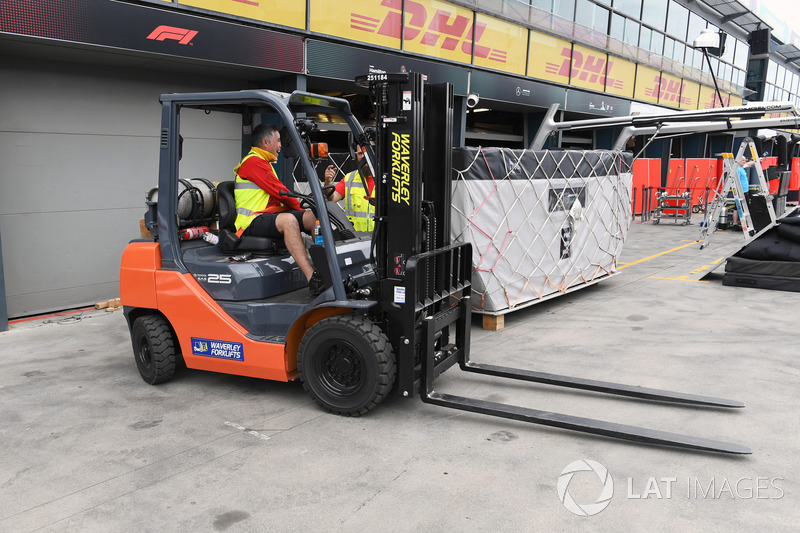 Forklift truck and freight
