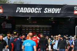 Paddock show