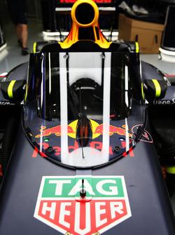 De Red Bull Racing RB12 uitgerust met het 'Aeroscreen'