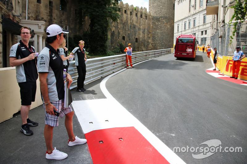 Серхіо Перес, Sahara Force India F1 йде по треку з командою