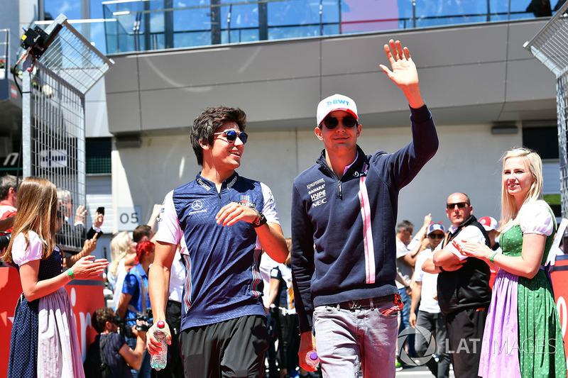Lance Stroll, Williams et Esteban Ocon, Force India F1 lors de la parade des pilotes