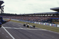 Le vainqueur Nelson Piquet, Williams FW11B Honda