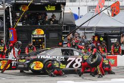 Martin Truex Jr., Furniture Row Racing, Toyota Camry 5-hour ENERGY/Bass Pro Shops pit stop