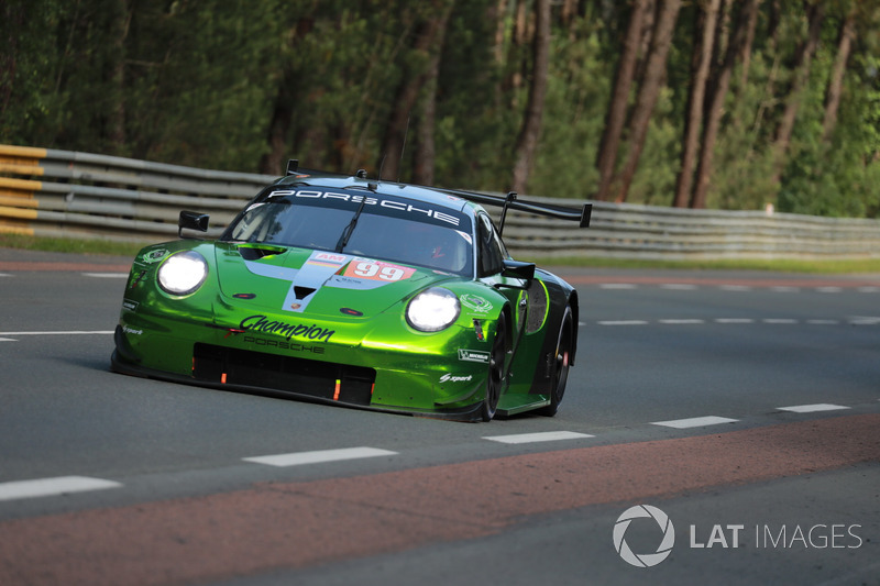 #99 Dempsey Proton Competition Porsche 911 RSR: Patrick Long, Tim Pappas, Spencer Pumpelly