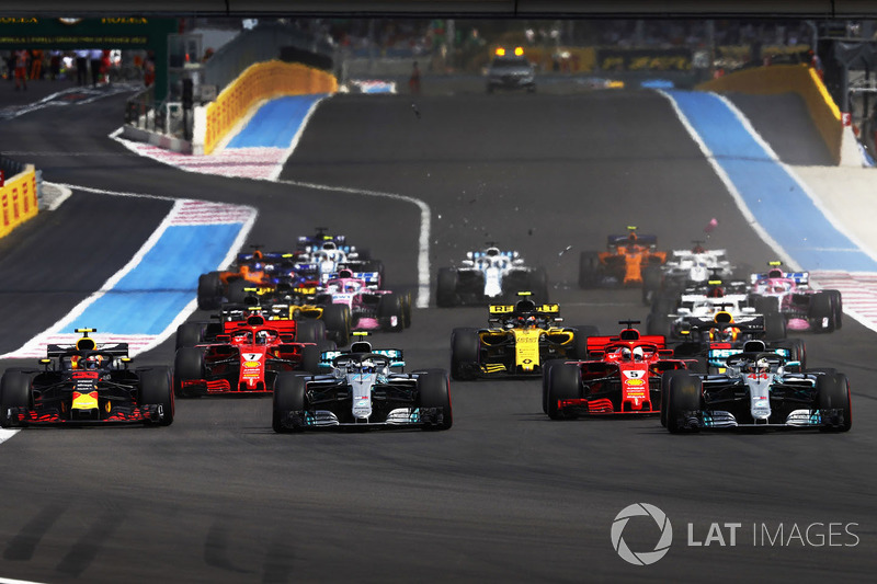 Льюис Хэмилтон и Валттери Боттас, Mercedes AMG F1 W09, Себастьян Феттель, Ferrari SF71H, и Макс Ферстаппен, Red Bull Racing RB14