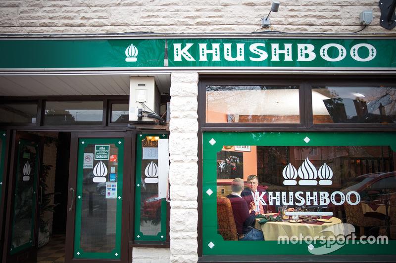 Otmar Szafnauer, Sahara Force India Formula One Team Chief Operating Officer at Khushboo restaurant
