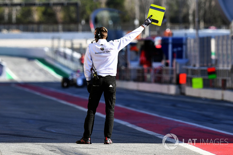 Alfa Romeo Sauber F1 Team mechanic