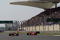 Даніель Ріккардо, Red Bull Racing RB14, Кімі Райкконен, Ferrari SF71H